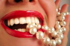 perły między zębami